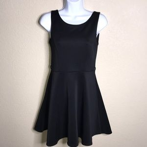 🦩Small black dress by Forever 21